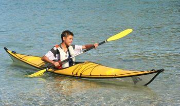 Une embarcation polyvalente pour naviguer en lac, en rivière ou en mer ? Kayak-ponte2
