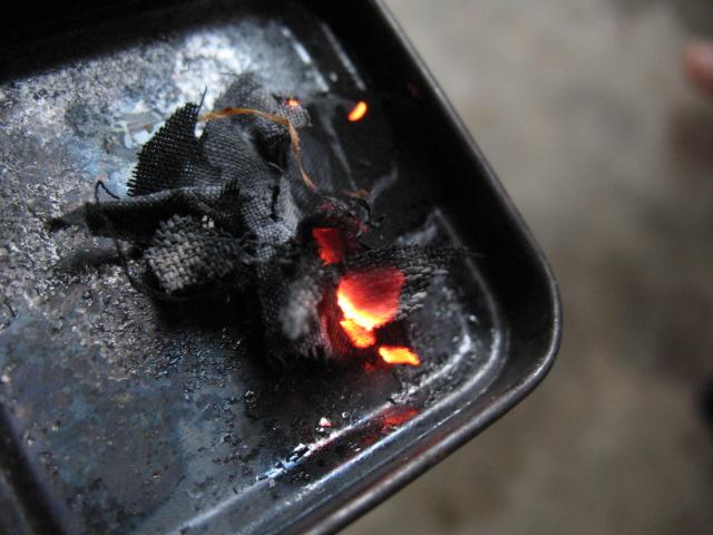 Allumer un feu Coton-carbo-flamme